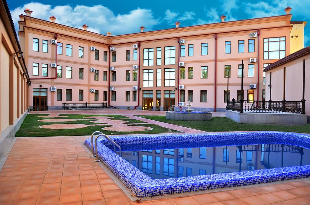 Гостиница Диёра Самарканд басейн 1