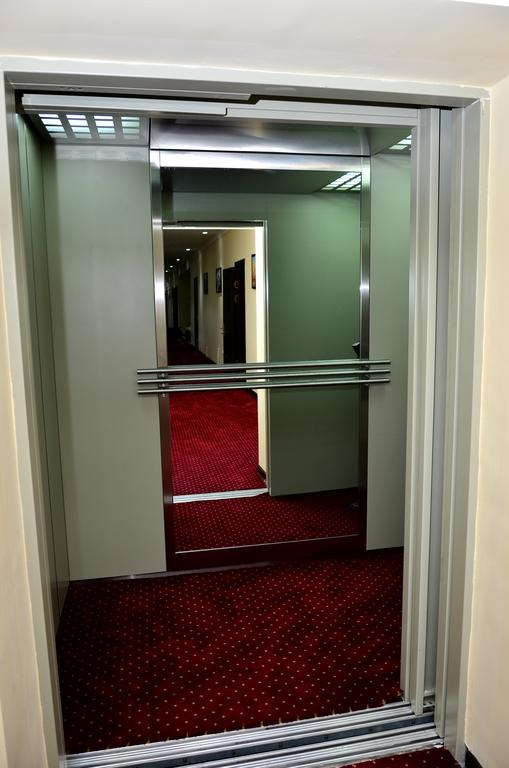 Гостиница Диёра Самарканд лифт