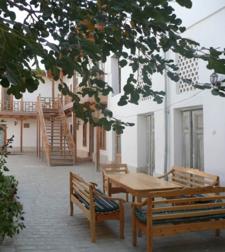 Гостиница Элен Оазис Бухара двор 1