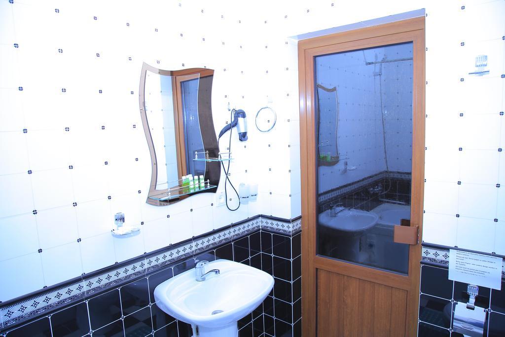 Гостиница Евроазия Хива ванная 5