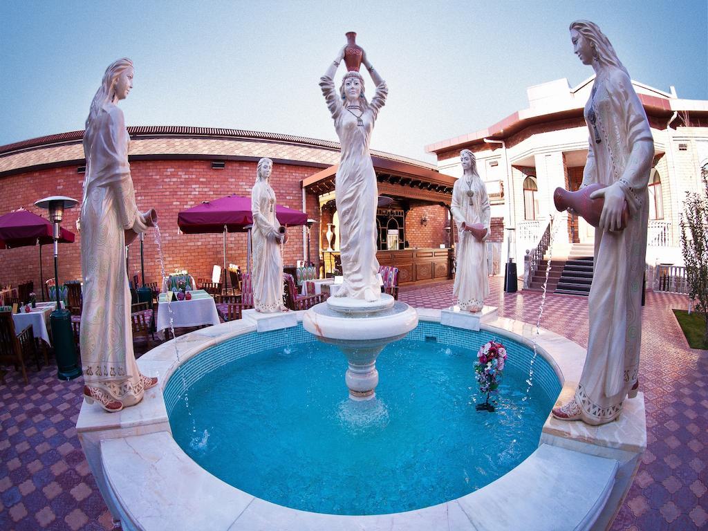 Гостиница Ичан кала Ташкент бассейн 2