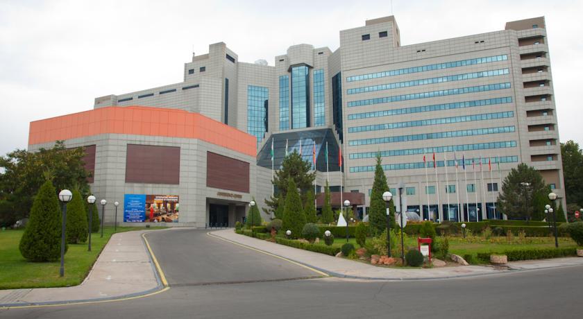 Гостиница Интернатионал Ташкент фасад