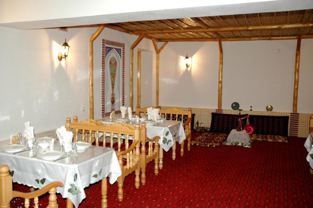 Гостиница Кабир Бухара ресторан 1