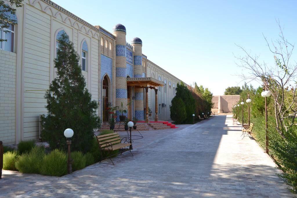 Гостиница Кибла Тозабог Хива фасад 3
