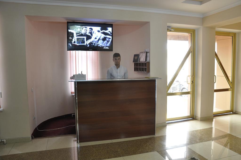 Гостиница Мадраса Амирхон Хива ресепшн