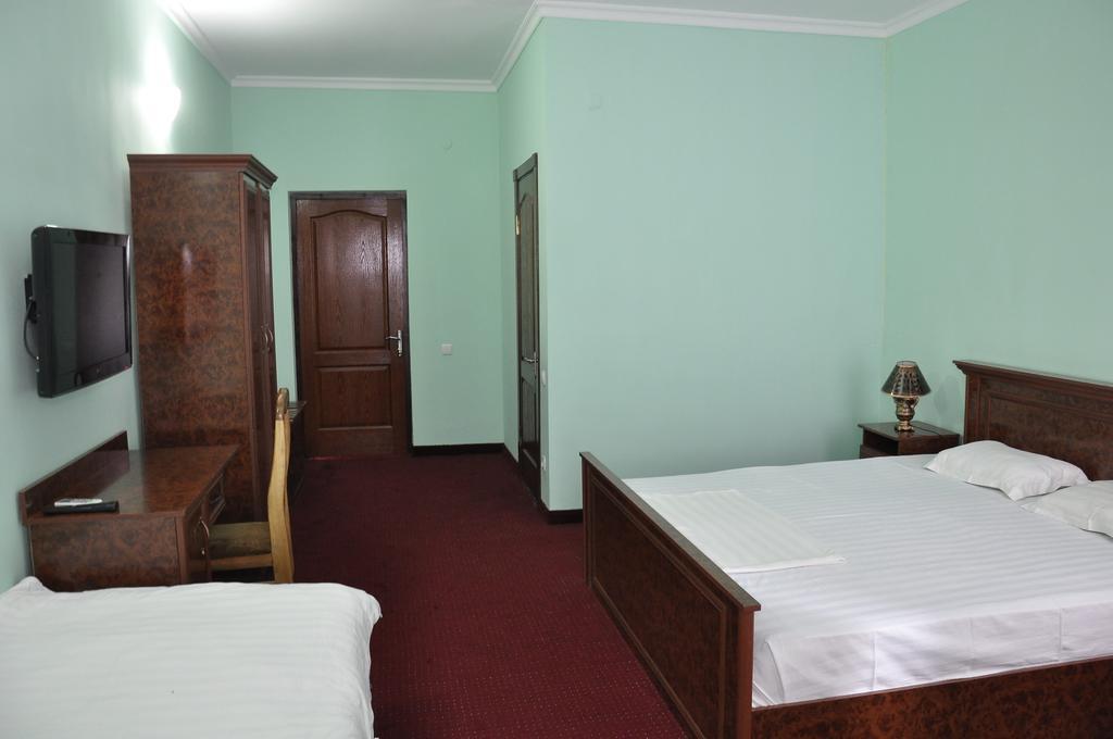 Гостиница Мадраса Амирхон Хива твин 3