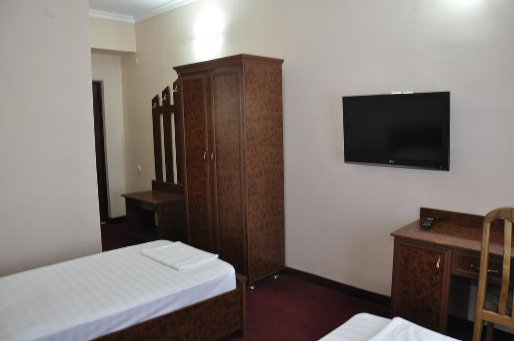Гостиница Мадраса Амирхон Хива твин 5