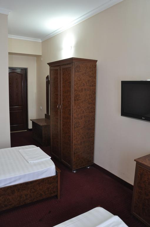 Гостиница Мадраса Амирхон Хива твин 6