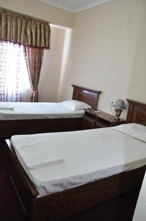 Гостиница Мадраса Амирхон Хива твин 8