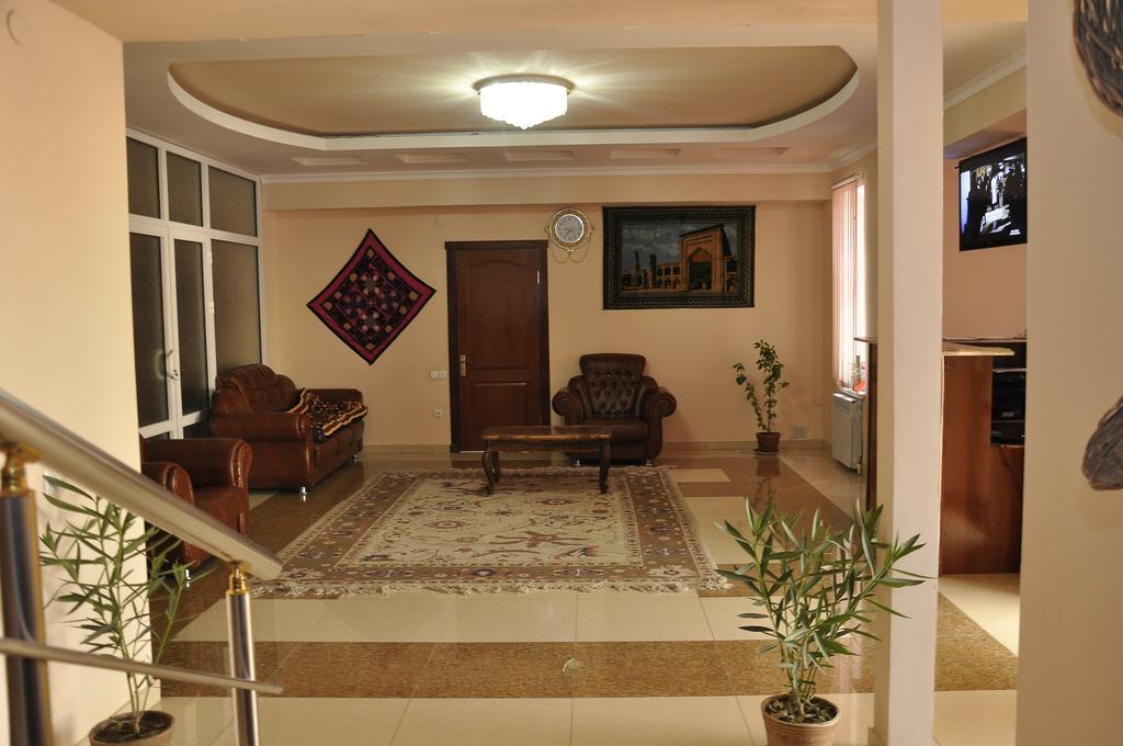 Гостиница Мадраса Амирхон Хива холл 2