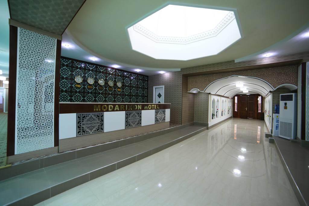 Гостиница Модарихон Бухара ресепшн 2