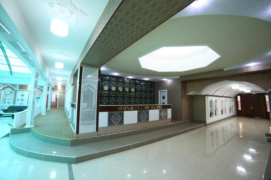 Гостиница Модарихон Бухара ресепшн 3