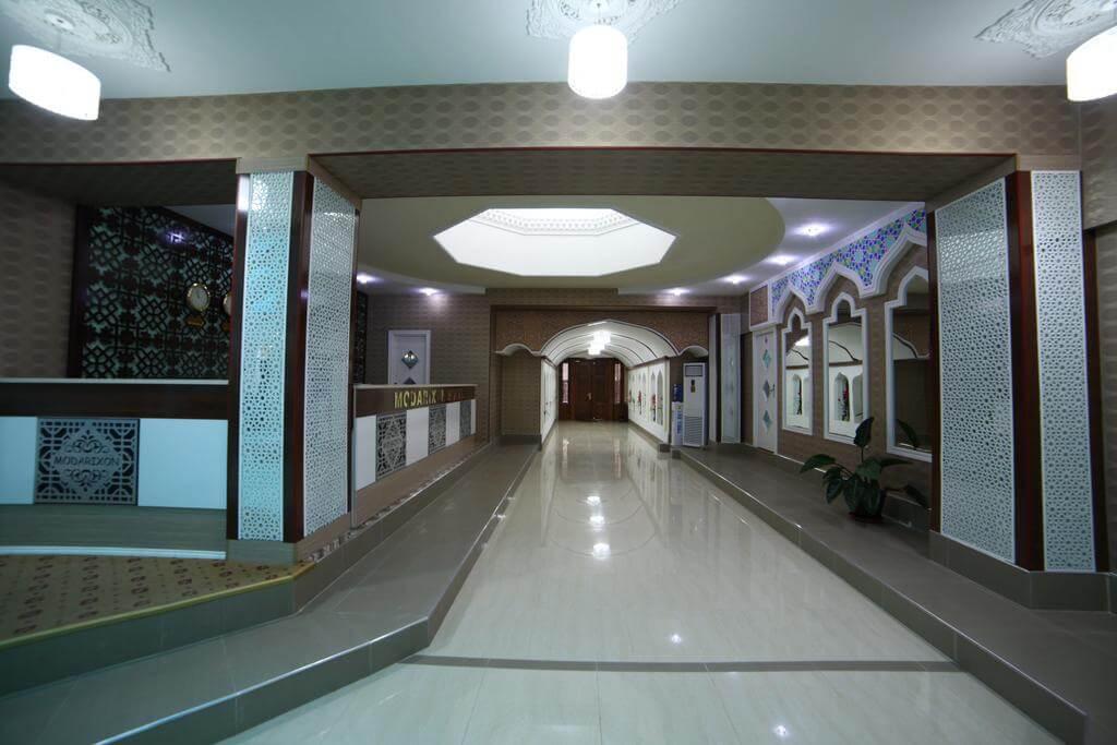 Гостиница Модарихон Бухара ресепшн 4