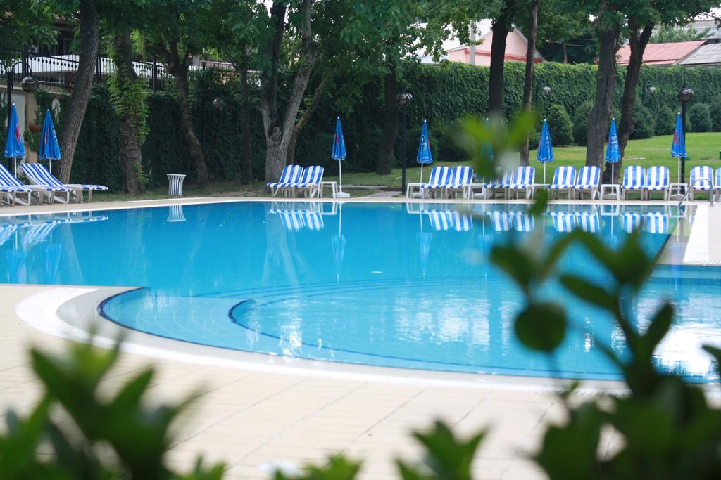 Гостиница Радиссон Ташкент бассейн