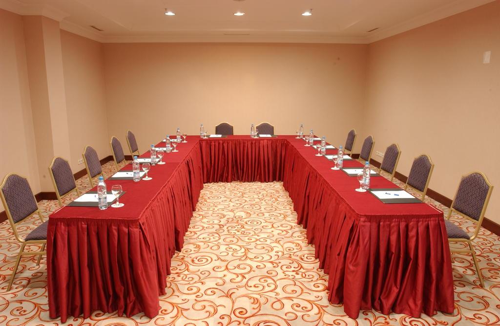 Гостиница Радиссон Ташкент конференционный зал 1