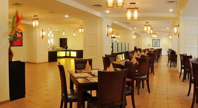 Гостиница Рамада Ташкент ресторан 1