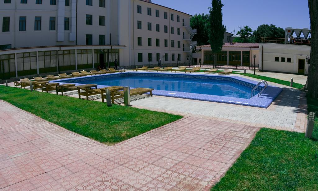 Гостиница Регистан Самарканд басейн 2