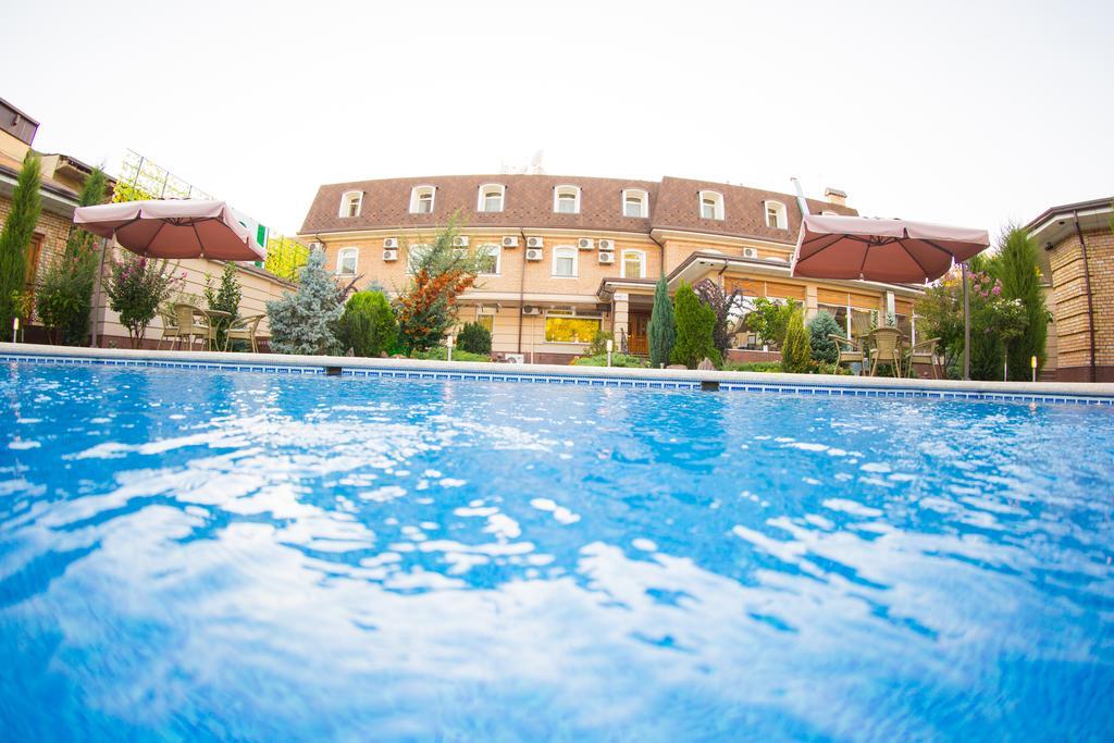 Гостиница Шарк Ташкент бассейн 4