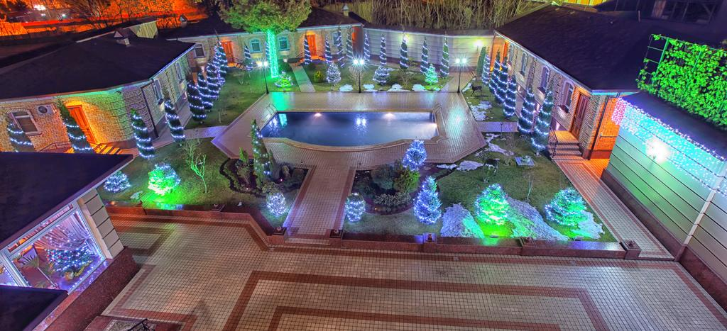 Гостиница Шарк Ташкент двор 1