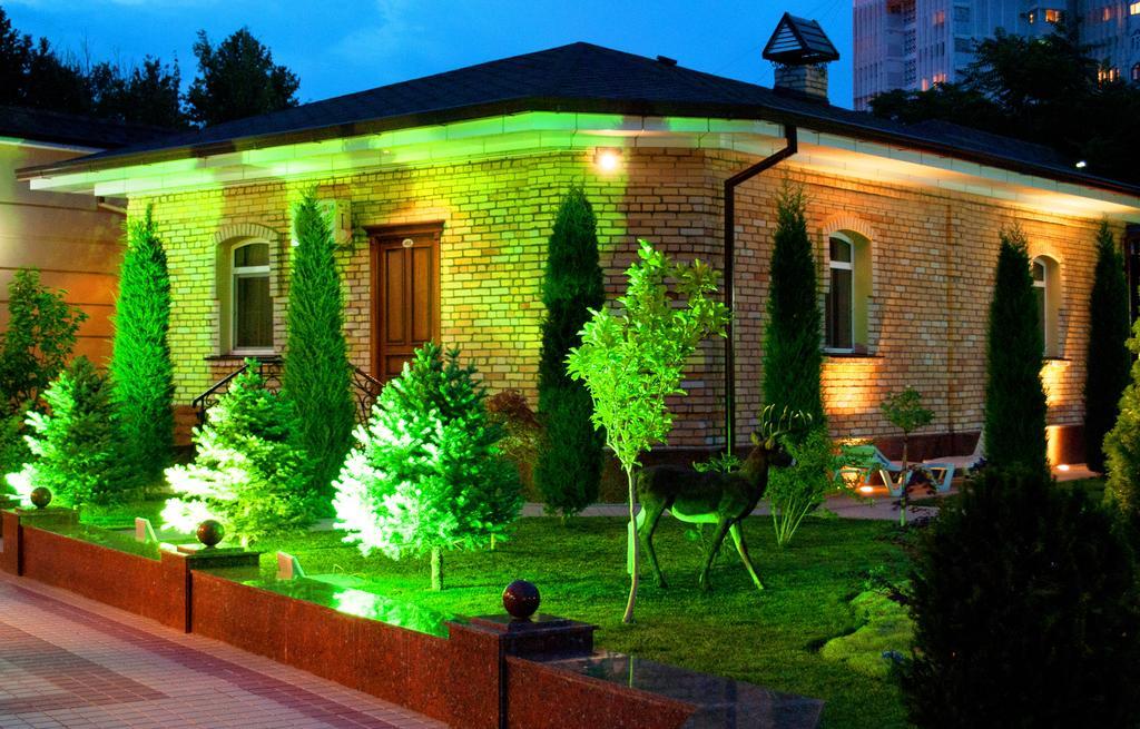 Гостиница Шарк Ташкент двор 2