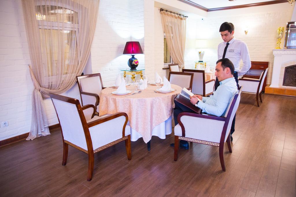 Гостиница Шарк Ташкент ресторан 9