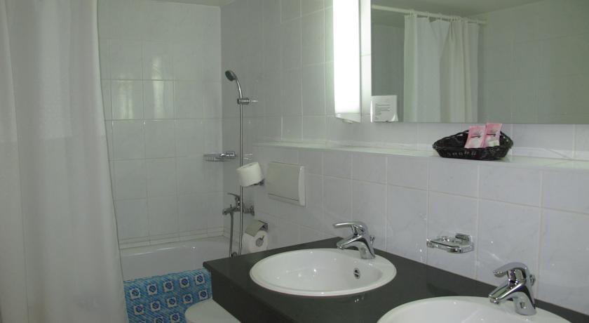 Гостиница Шодлик Палас Ташкент ванная 1