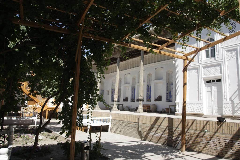 Гостиница Ховли Поён Бухара двор 1